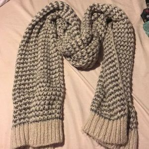 Forever 21 knitted blanket scarf in black and grey